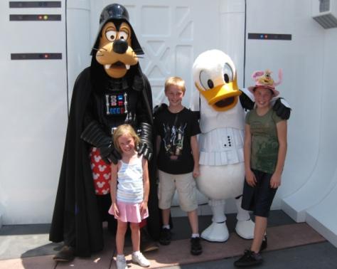 Donald & Goofy 2009