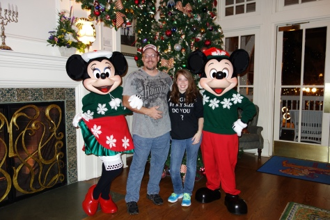 Mickey and Minniexmas boardwalk (4)