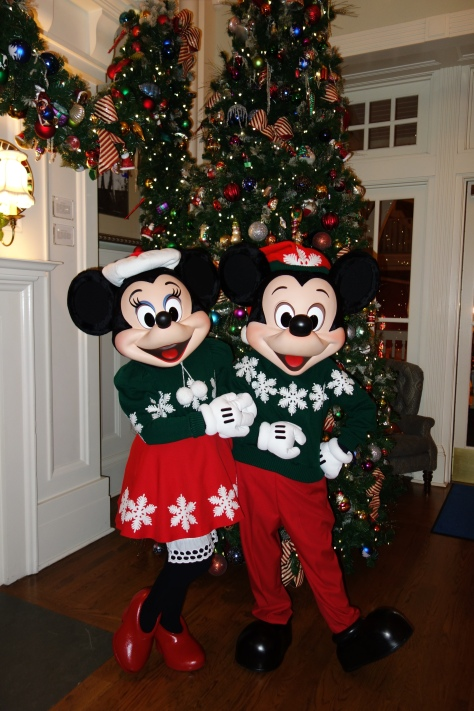 Mickey and Minniexmas boardwalk (6)