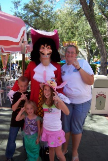 Capt Hook at Minnie and Friends Breakfast Disneyland 2007