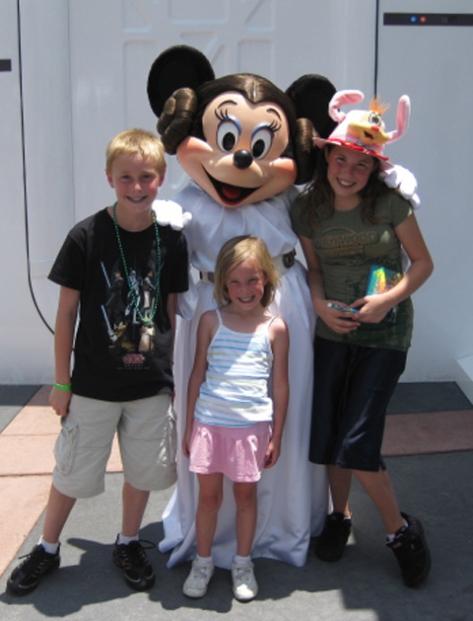 Leia Minnie - Star Wars Weekends 2009