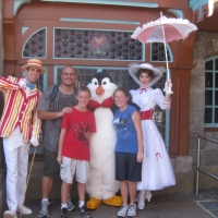 Mary Poppins at Town Square in Magic Kingdom