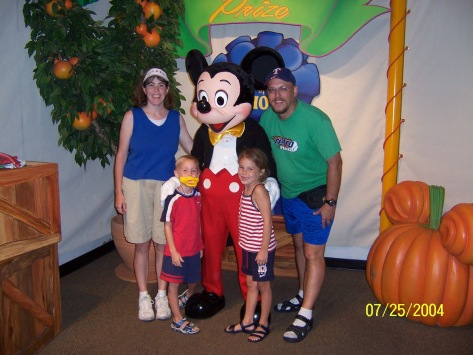 Mickey and Minnie at Toontown in Magic Kingdom 2004