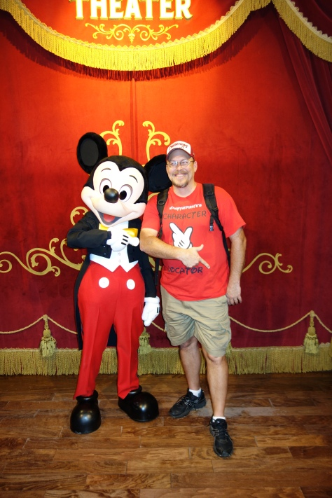 Mickey at Town Square Theater in Magic Kingdom 2013