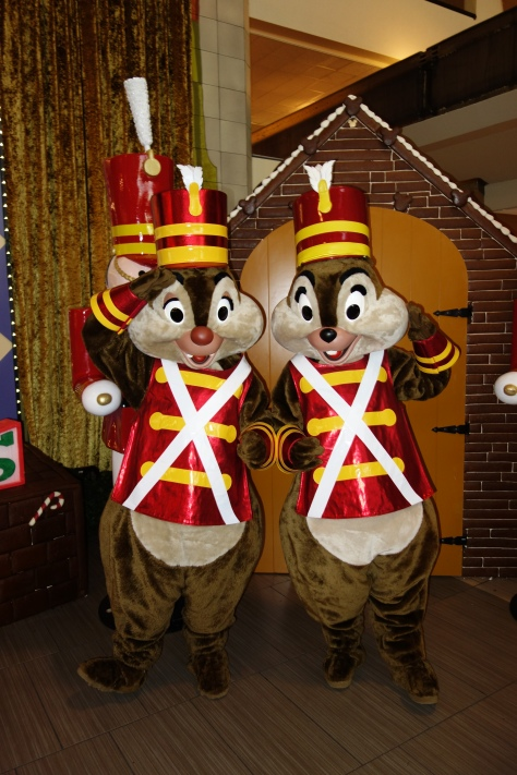 Walt Disney World, Contemporary Resort, Christmas Characters, Chip n Dale, Toy Soldiers