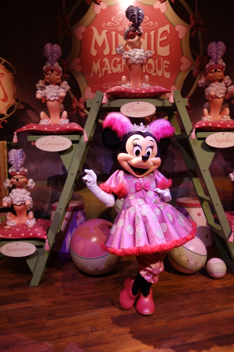 Minnie Mouse - Minnie Magnifique