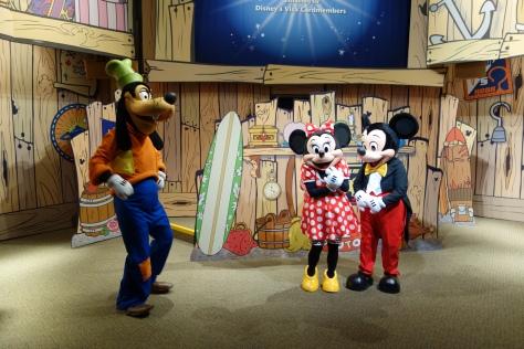 Epcot Visa Character Meet Mickey Minnie Goofy (3)