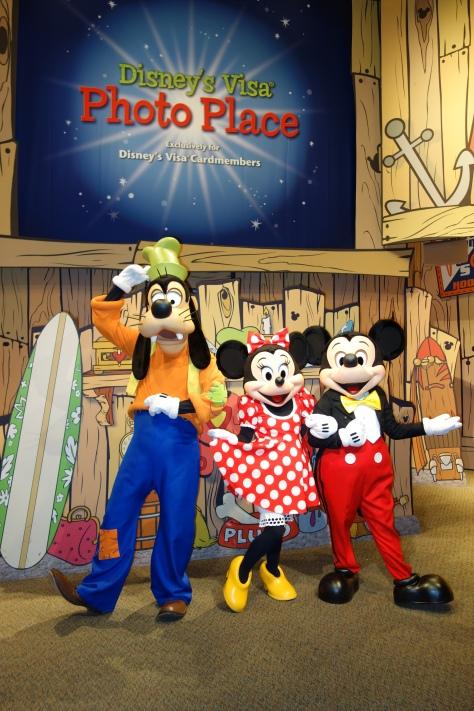 Epcot Visa Character Meet Mickey Minnie Goofy (5)