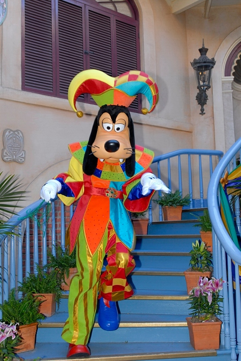 Jester Goofy Disneyland Limited Time Magic Bayou Bash Feb 2013  Copyright Rich Muller