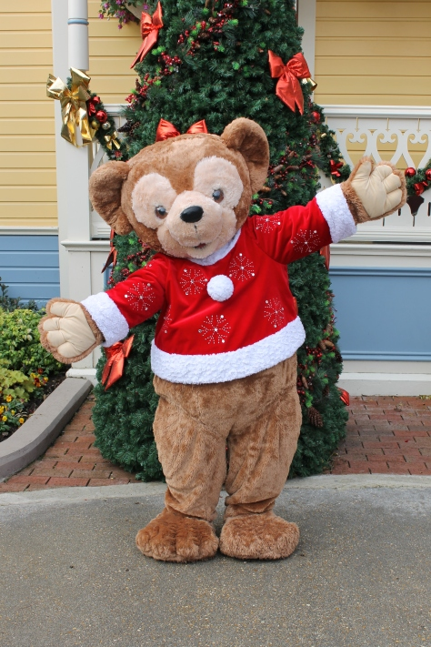 During the Christmas Season Duffy can be found on Main Street USA wearing his Christmas outfit. This was the version in 2012.