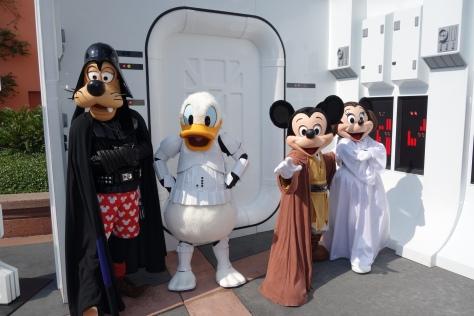 Jedi Mickey, Leia Minnie, Stormtrooper Donald & Darth Goofy at Star Wars Weekends 2013 (1)