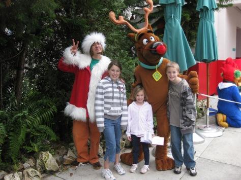 Scooby and Shaggy Universal Studios Orlando Christmas 2009