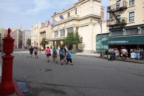 Character Palooza Streets of America (1)