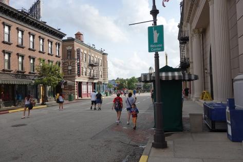 Character Palooza Streets of America (3)