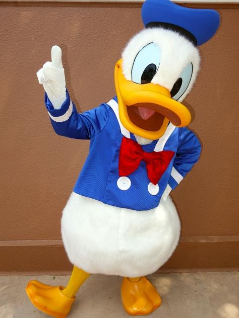 Donald Training at Epcot World Showplace (1)