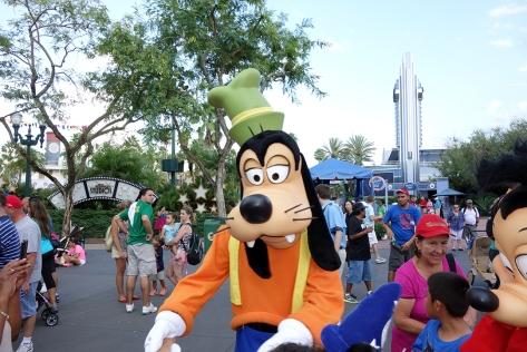 Goofy Hollywood Studios Character Dance Jam 2013