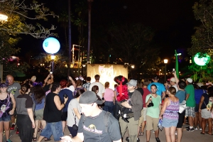 Unleash the Villains Hollywood Studios 2013 ktp Crowds (4)