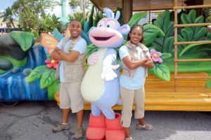 Universal Studios Orlando Dora Meet and Greet BOOTSJPG (2)