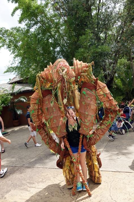 Busch Gardens Tampa Stiltwaker Character (6)
