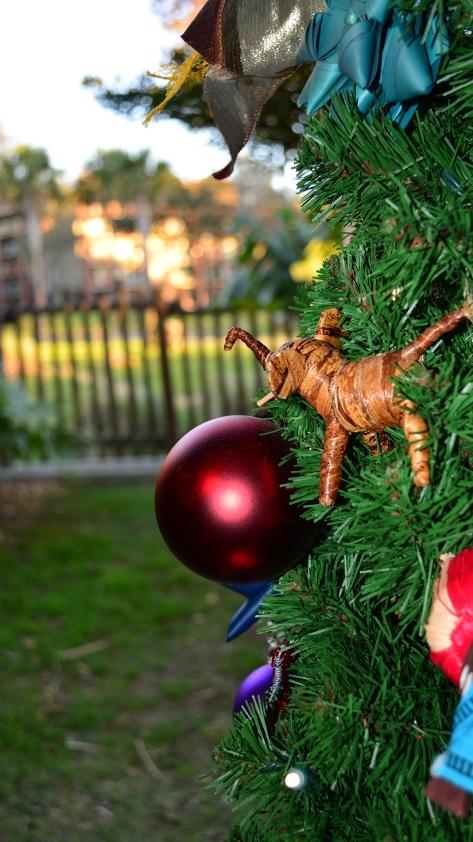 Animal Kingdom Lodge Kidani Christmas Characters and Christmas Decor (13)