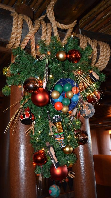 Animal Kingdom Lodge Kidani Christmas Characters and Christmas Decor (2)