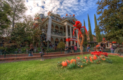 Disneyland Haunted Mansion Holiday Rich Muller (11)
