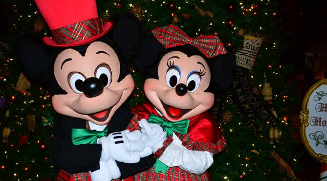 Animal Kingdom Lodge Jambo House CHRISTMAS CHARACTERS MICKEY AND MINNIE
