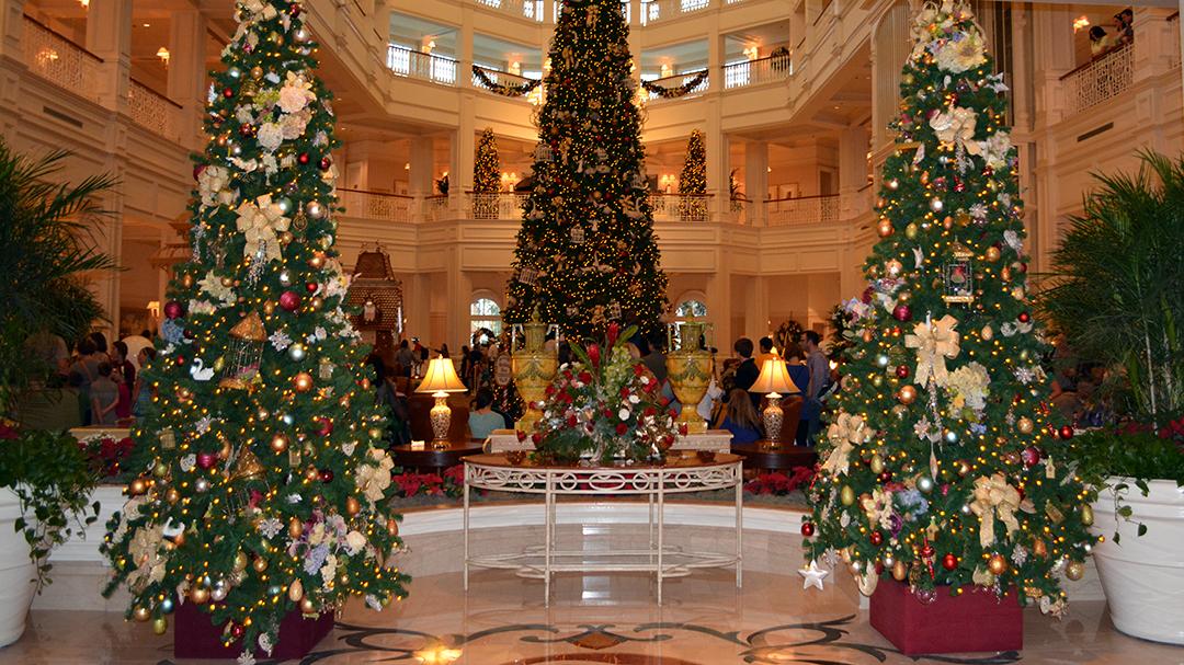 Christmas Decorations At Disney World Hotels : Walt disney world grand floridian christmas decor