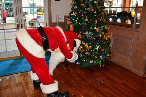Walt Disney World Old Key West Resort Christmas Characters Santa Goofy