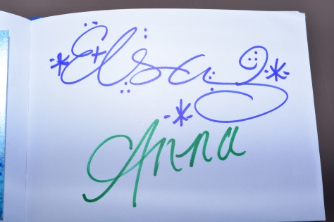 Walt Disney World, Epcot, Norway, Anna and Elsa, autograph