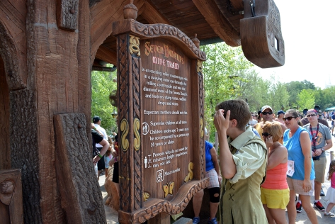 Seven Dwarfs Mine Train Rules
