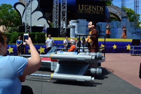 Star Wars Weekends Celebrity Motorcade Feel the Force Premium Package (28)
