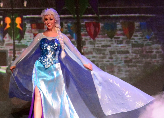 Frozen Summer of Fun Live Sing-a-Long featuring Anna Elsa and Kristoff (153)