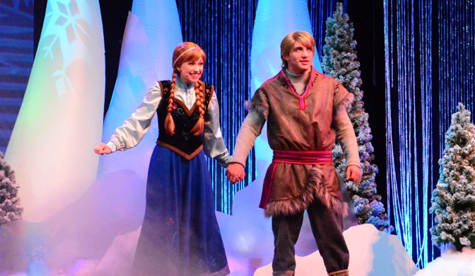 Frozen Summer of Fun Live Sing-a-Long featuring Anna Elsa and Kristoff
