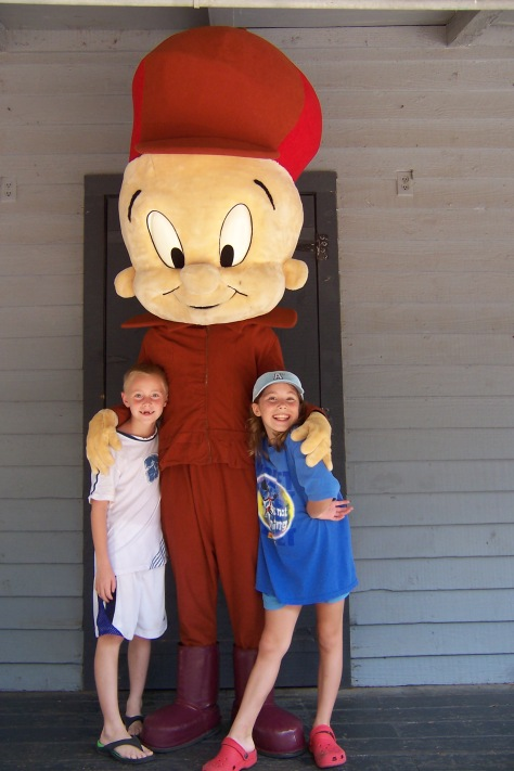 Elmer Fudd Six Flags Texas 2007