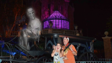 Mickey's Not So Scary Halloween Party Mansion Ghost Photopass Magic Shot