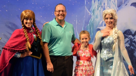 My Royal Coronation Breakfast with Anna and Elsa from Frozen (51)