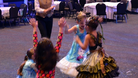 My Royal Coronation Breakfast with Anna and Elsa from Frozen (60)