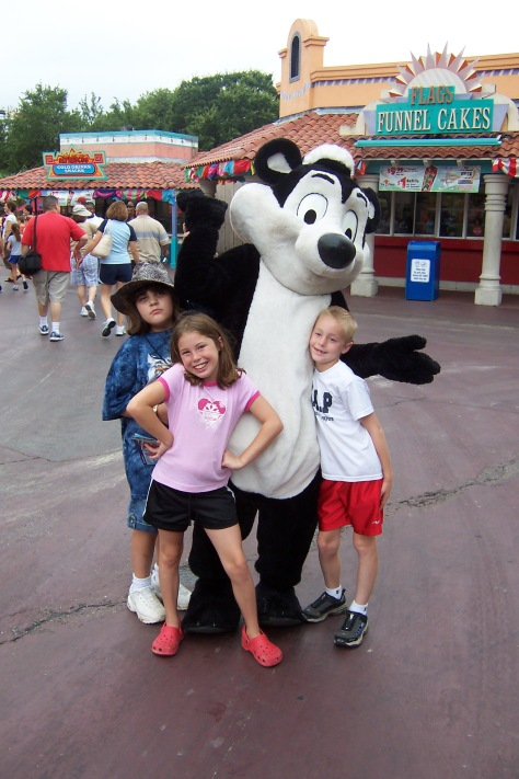 Pepe LePew Six Flags Texas 2007