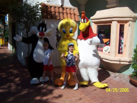 Sylvester Tweety and Foghorn Six Flags San Antonio 2006