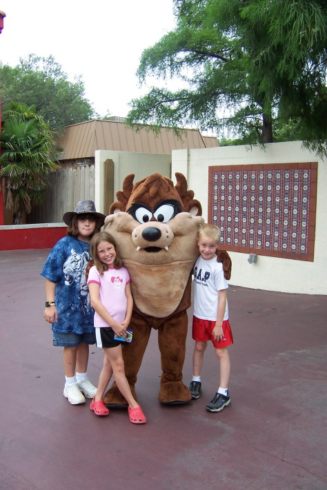 Tazmanian Devil Six Flags Texas 2007 (2)